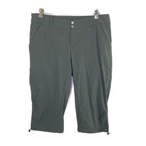 Columbia Omni-Shield Olive Green Shorts Women's 12